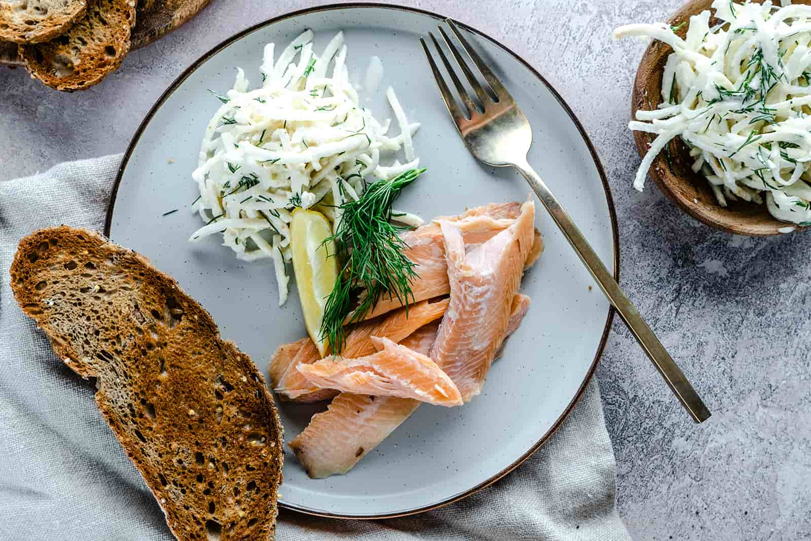 Smoked-trout-and-celeriac-crackers-7_websize-1-1