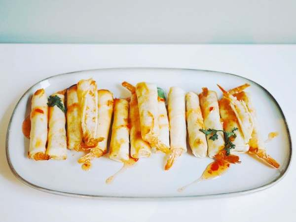 King prawns in filo pastry with dipping sauce