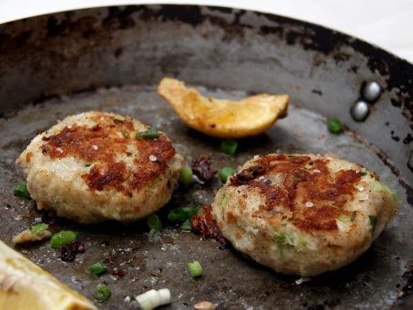 Handmade haddock & leek fishcakes