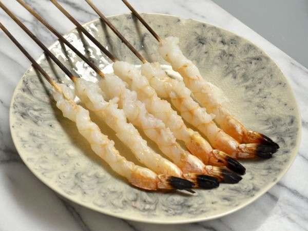 Nobashi prawns