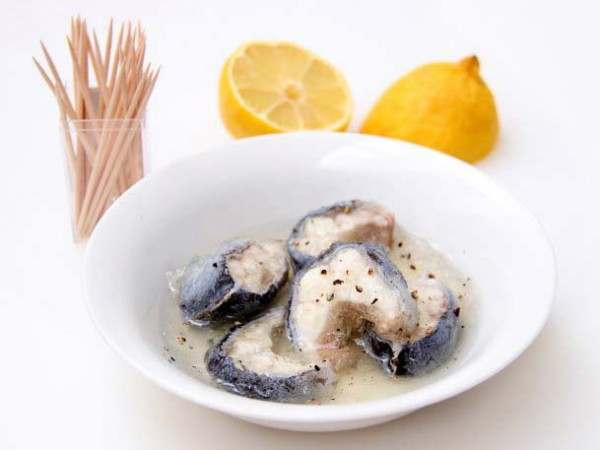Jellied eels in a bowl