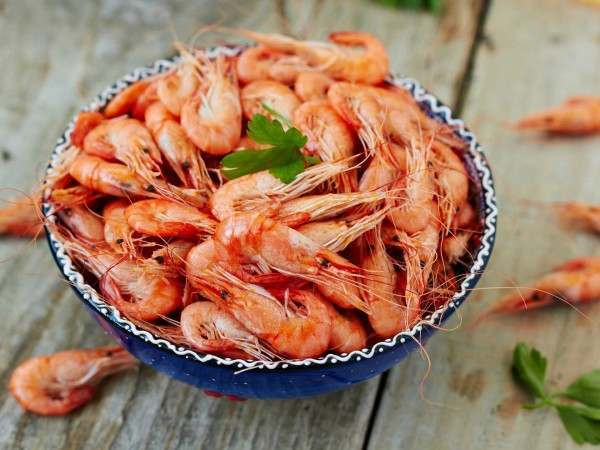 A bowl of cooked whole Atlantic prawns