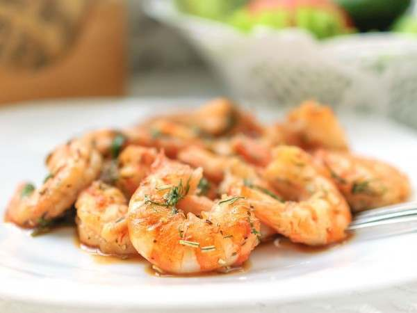 Cooked king prawns in garlic butter
