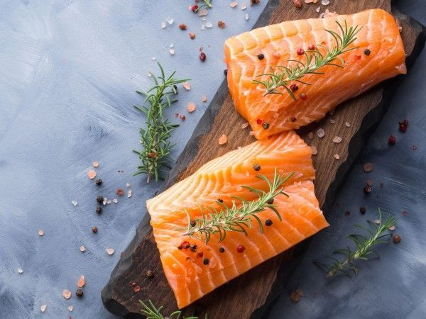 Organic salmon fillet portions