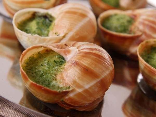Escargots / snails in garlic butter